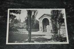 4944   BEAURAING, L'ESPLANADE DEVANT LA SANCTUAIRE - Beauraing