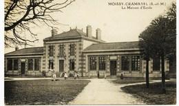8708  -  Saone Et Loire -  MOISSY  CRAMAYEL : LA MAISON D'ECOLE Et Les ENFANTS  ( RARE) - Other Municipalities