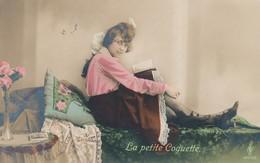 CPA - Thèmes - Fantaisie - Femme - La Petite Coquette - Fancy Cards