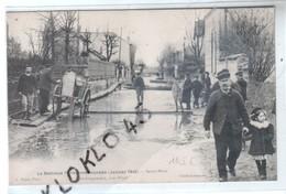 94 SAINT MAUR - Déménagement Rue Pinet - La Banlieue Parisienne Inondée  Janvier 1910 - Animé - CPA Noyer Généalogie - Saint Maur Des Fosses