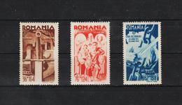 1942 - 2 Anniv. De L Entre En Guere Mi No 760/762  MNH - 1918-1948 Ferdinand, Carol II. & Mihai I.