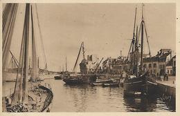 29, Finistère, CONCARNEAU, Le Quai Pénérof, Scan Recto-Verso - Concarneau