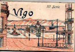 Espagne. Vigo. Carnet De 14 Vues Dont La Dernière Panoramique. Petit Trou Sur La Tranche - Espagne
