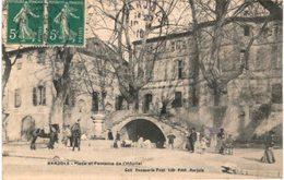 BARJOLS ... PLACE DE LA FONTAINE - Barjols
