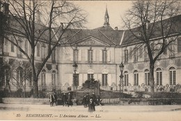 CPA 88 (Vosges)  REMIREMONT / L'ANCIENNE ABBAYE / ANIMEE - Remiremont