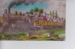 CP Avec Souflet : Locomotive Avec Des Bébés Dans Un Wagon - Scènes & Paysages