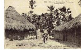 Cpa Afrique Occidentale Française Village Diola - Centrafricaine (République)