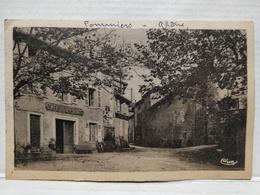 Pommiers. Café De La Place - Autres Communes
