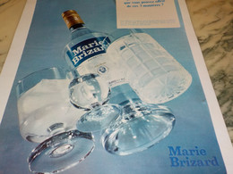 ANCIENNE PUBLICITE 3 MANIERES  MARIE BRIZARD 1968 - Alcools
