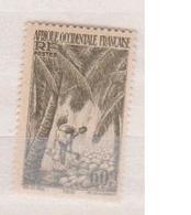 A  O  F        N°  YVERT  :    28       NEUF AVEC  CHARNIERES      ( Ch 1/10  ) - A.O.F. (1934-1959)