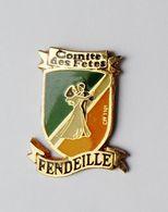 Pin's Blason Comité Des Fêtes Fendeille Aude - 18A - Pins