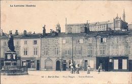 CPA Bar-le-Duc - Place Reggio - Statue Oudinot - Spécialité De Blanc Restaurant - Bar Le Duc