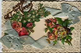 13185 -  Fantaisie - 2 Noeuds En  Tissus , Fleurs  Et  Découpis  Voyagée En 1908 - Brodées