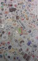 Europe Occidentale - Petit Lot De 450 Grammes De Timbres° Sur Fragments - + De 2250 Timbres - Stamps