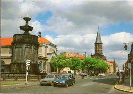 < Automobile Auto Voiture Car >> Renault 5, Peugeot 104, Riom-le-Beau Puy De Dome - Turismo