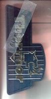 Présentoir Publicitaire Thermor Plastique NOIR - Lettres OR , Tête De Lion Chien Crachant Du Feu OR - Derrière Treteau - Advertising (Porcelain) Signs