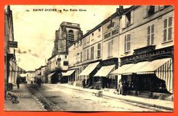 """CPA 52 Saint Dizier """" Rue émile Giros """" Magasin Chaussures """" à Cendrillon """" - Saint Dizier"""