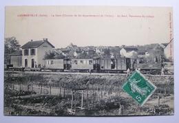 10 LANDREVILLE La Gare ( Chemin De Fer Départemental De L'Aube); Au Fond Panorama Du Village - France