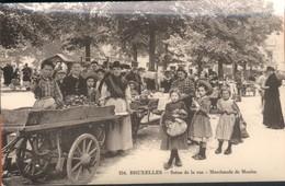 Bruxelles :  Marchande De Moules  / Très Belle Animation !! - Markten