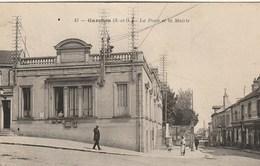 CPA 92 (Hauts De Seine) GARCHES / LA POSTE ET LA MAIRIE / ANIMEE - Garches