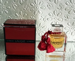"""Miniature De Parfum """"LE PARFUM""""  De LALIQUE  Eau De Parfum 4,5 Ml Avec Sa Boîte - Miniatures Modernes (à Partir De 1961)"""