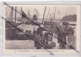 Douarnenez (29) Le Port De Débarquement Des Sardines - Douarnenez
