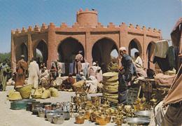 MAGHREB,AFRIQUE,AFRICA,MAROC,MOROCCO,RISSANI,souk,pottier,commerce,poterie,metier - Maroc
