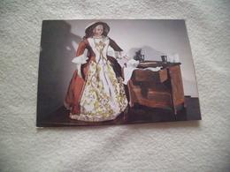 """MUSEE MARIUS-AUDIN - BEAUJEU ...""""GILBERTE"""" ..POUPEE DU XIXE ...TOILETTE SECOND EMPIRE - Musées"""