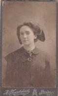 PORTRAIT D'UNE FEMME. VINTAGE RUSSIAN PHOTO. SOUWALKI. CIRCA 1880s SIZE 6x11CM ORIGINAL  - BLEUP - Photos