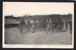 REPUBLIQUE CENTRAFRICAINE - HAUTE SANGA - Danse De Femmes Autour D'un Gorille Tué - Centrafricaine (République)