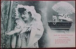 Cpa FEMME  NOEL De La MONDAINE, Bijoux Eventail Chaussures, 1904, CHRISTMAS For A LADY ,Jewel  FAN SHOES  EDIT BERGERET - Femmes