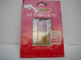 """BIC """" LE PARFUM NU """"  VAPO FORME BRIQUET LIRE ET VOIR !! - Miniatures Modernes (à Partir De 1961)"""