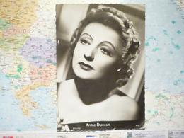 Annie Ducaux - Entertainers