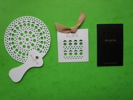 ALAIA -  3 Cartes Parfumées - Perfume Cards