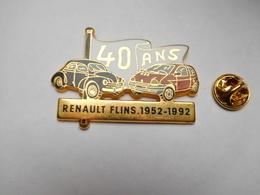 Superbe Big Pin's En Zamac , Auto Renault , 40 Ans Usine De Flins , 4 CV & Twingo , Signé Fraisse - Renault