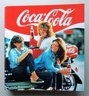 - Classeur. COCA COLA - Année 80 - - Coca-Cola