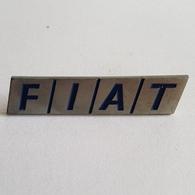 AUTO CAR FIAT DISTINTIVO  PIN BADGE BROCHE INSIGNE - Fiat