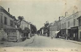 RIS ORANGIS -la Rue Du Pont,hotel Du Chemin De Fer. - Ris Orangis