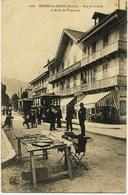 7934   Savoie  -  BRIDES Les BAINS  :  ARRET Du TRAMWAY ,  RUE PRINCIPALE     Circulée En 1905 - Brides Les Bains