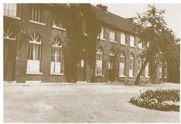 Ampsin. Institut Saint Pierre. Cour De Récréation. - Amay