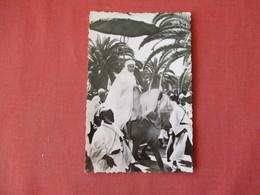 Le Sultan Et Son Escorte   Ref 3157 - Afrique