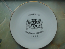 ENGHIEN : Assiette Des Sapeurs Pompiers 1965. - Autres Collections