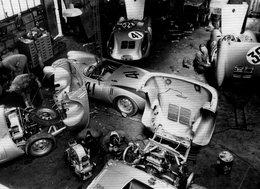 24 Heures Du Mans 1954  -  Porsche 550 Spyder In Garage Teloche -  Carte Postale - Le Mans