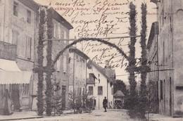07 / VERNOUX / PLACE DU CADET / JOUR DE FETE / CIRC 1907 - Vernoux