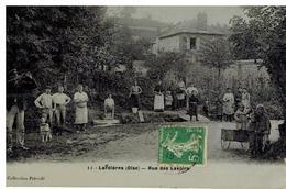 Lardières: Rue Des Lavoirs, Laveuses, Chasseur, Très Belle Animation, Rare - Autres Communes