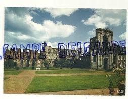 Abbaye D'Aulne. La Cour D'Honneur. IRIS NELS.Mexichrome. Edit. Anciens Ets Ern Thill - België