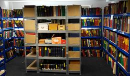Nachlässe: SAUERLAND-NACHLASS - Ein Kleines Arbeitszimmer Würde Vor Briefmarken überquellen, Wollte - Timbres