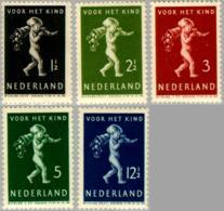 1939 Kind NVPH 327-331 Ongestempeld/MH/* - Periode 1891-1948 (Wilhelmina)
