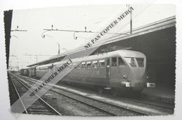 Train Locomotive à Identifier Italie ? Par Bréhèret Tampon Au Dos PHOTO Originale Type Carte - Treni