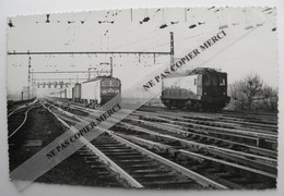 Train SNCF Locomotive à Situer Par Bréhèret Tampon Au Dos PHOTO Originale Type Carte - Trains